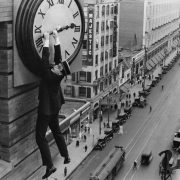 Scena tratta da Safety Last, film del 1923